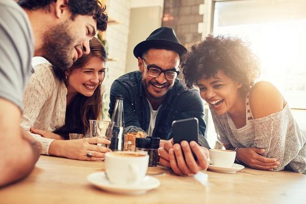 Closer Friendships Linked To Sharper Memory